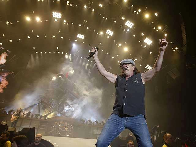 AC-DC Brian Johnson in Beograd - Brian Johnson at 'Partizan Stadium' in Beograd, Serbia during the 'Black Ice' European Tour of AC-DC (May 26th, 2009). Although the age of AC-DC members range from 55 to 62, they play with an enormous power. - , AC-DC, Brian, Johnson, Beograd, music, musics, performance, performances, show, shows, Partizan, Stadium, Serbia, Black, Ice, European, tour, tours - Brian Johnson at 'Partizan Stadium' in Beograd, Serbia during the 'Black Ice' European Tour of AC-DC (May 26th, 2009). Although the age of AC-DC members range from 55 to 62, they play with an enormous power. Resuelve rompecabezas en línea gratis AC-DC Brian Johnson in Beograd juegos puzzle o enviar AC-DC Brian Johnson in Beograd juego de puzzle tarjetas electrónicas de felicitación  de puzzles-games.eu.. AC-DC Brian Johnson in Beograd puzzle, puzzles, rompecabezas juegos, puzzles-games.eu, juegos de puzzle, juegos en línea del rompecabezas, juegos gratis puzzle, juegos en línea gratis rompecabezas, AC-DC Brian Johnson in Beograd juego de puzzle gratuito, AC-DC Brian Johnson in Beograd juego de rompecabezas en línea, jigsaw puzzles, AC-DC Brian Johnson in Beograd jigsaw puzzle, jigsaw puzzle games, jigsaw puzzles games, AC-DC Brian Johnson in Beograd rompecabezas de juego tarjeta electrónica, juegos de puzzles tarjetas electrónicas, AC-DC Brian Johnson in Beograd puzzle tarjeta electrónica de felicitación