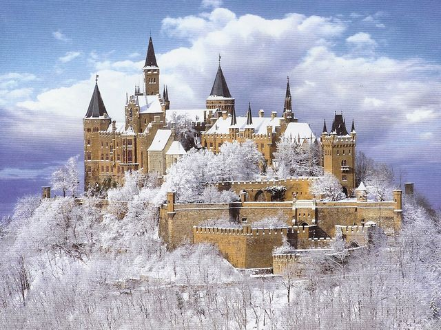Winter Landscape Hohenzollern Castle Stuttgart Germany - Fabulous winter landscape of the Hohenzollern Castle, one of Europe's most beautiful and popular castles, located on top of  Mount Hohenzollern, at an elevation of almost 900 metres, approximately 50 kilometers south of Stuttgart, Germany. In the Middle Ages, the Hohenzollern Castle was ancestral seat of the Prussian Royal House and the Hohenzollern family. - , winter, landscape, landscapes, Hohenzollern, castle, castles, Stuttgart, Germany, places, place, nature, natures, fabulous, Europe, beautiful, popular, top, tops, mount, mounts, elevation, elevations, Middle, Ages, ancestral, seat, seats, Prussian, Royal, House, houses, family, families - Fabulous winter landscape of the Hohenzollern Castle, one of Europe's most beautiful and popular castles, located on top of  Mount Hohenzollern, at an elevation of almost 900 metres, approximately 50 kilometers south of Stuttgart, Germany. In the Middle Ages, the Hohenzollern Castle was ancestral seat of the Prussian Royal House and the Hohenzollern family. Resuelve rompecabezas en línea gratis Winter Landscape Hohenzollern Castle Stuttgart Germany juegos puzzle o enviar Winter Landscape Hohenzollern Castle Stuttgart Germany juego de puzzle tarjetas electrónicas de felicitación  de puzzles-games.eu.. Winter Landscape Hohenzollern Castle Stuttgart Germany puzzle, puzzles, rompecabezas juegos, puzzles-games.eu, juegos de puzzle, juegos en línea del rompecabezas, juegos gratis puzzle, juegos en línea gratis rompecabezas, Winter Landscape Hohenzollern Castle Stuttgart Germany juego de puzzle gratuito, Winter Landscape Hohenzollern Castle Stuttgart Germany juego de rompecabezas en línea, jigsaw puzzles, Winter Landscape Hohenzollern Castle Stuttgart Germany jigsaw puzzle, jigsaw puzzle games, jigsaw puzzles games, Winter Landscape Hohenzollern Castle Stuttgart Germany rompecabezas de juego tarjeta electrónica, juegos de puzzles tarjetas electrónicas, Winter Landscape Hohenzollern Castle Stuttgart Germany puzzle tarjeta electrónica de felicitación