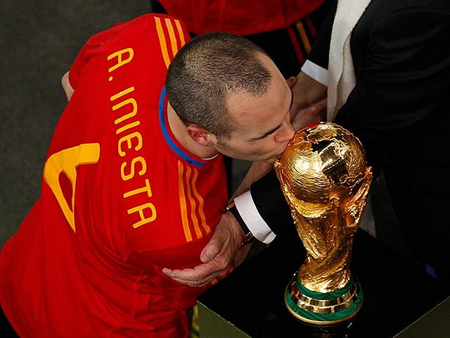 World Cup 2010 Champion Andres Iniesta pecks the Trophy - The Spain's midfielder and goal scorer Andres Iniesta pecks the Trophy after the last whistle of the FIFA World Cup 2010 Champion final match between Spain and the Netherlands at the Soccer City stadium in Johannesburg, South Africa (July 11, 2010). - , World, Cup, 2010, Champion, Andres, Iniesta, trophy, trphies, sport, sports, tournament, tournaments, match, matches, soccer, soccers, football, footballs, midfielder, midfieldrs, goal, goals, scorer, scorers, whistle, whistles, final, Spain, Netherlands, Soccer, City, stadium, stadiums, Johannesburg, South, Africa - The Spain's midfielder and goal scorer Andres Iniesta pecks the Trophy after the last whistle of the FIFA World Cup 2010 Champion final match between Spain and the Netherlands at the Soccer City stadium in Johannesburg, South Africa (July 11, 2010). Solve free online World Cup 2010 Champion Andres Iniesta pecks the Trophy puzzle games or send World Cup 2010 Champion Andres Iniesta pecks the Trophy puzzle game greeting ecards  from puzzles-games.eu.. World Cup 2010 Champion Andres Iniesta pecks the Trophy puzzle, puzzles, puzzles games, puzzles-games.eu, puzzle games, online puzzle games, free puzzle games, free online puzzle games, World Cup 2010 Champion Andres Iniesta pecks the Trophy free puzzle game, World Cup 2010 Champion Andres Iniesta pecks the Trophy online puzzle game, jigsaw puzzles, World Cup 2010 Champion Andres Iniesta pecks the Trophy jigsaw puzzle, jigsaw puzzle games, jigsaw puzzles games, World Cup 2010 Champion Andres Iniesta pecks the Trophy puzzle game ecard, puzzles games ecards, World Cup 2010 Champion Andres Iniesta pecks the Trophy puzzle game greeting ecard