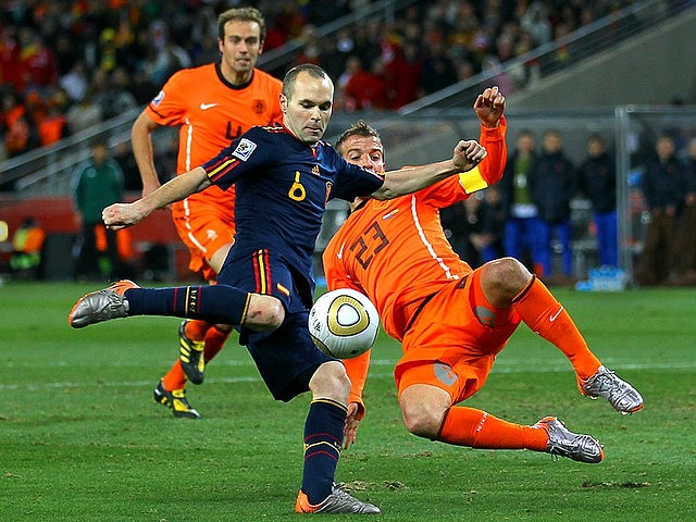 World Cup 2010 Champion Andres Iniesta shoots to score a Goal - The Spain's midfielder Andres Iniesta shoots to score a goal past Rafael van der Vaart of the Netherlands during the FIFA World Cup 2010 Champion final match at the Soccer City stadium in Johannesburg, South Africa (July 11, 2010). - , World, Cup, 2010, Champion, Andres, Iniestsa, goal, goals, sport, sports, tournament, tournaments, match, matches, soccer, soccers, football, footballs, Spain, midfielder, midfielders, Rafael, van, der, Vaart, Netherlands, FIFA, final, Soccer, City, stadium, stadiums, Johannesburg, South, Africa - The Spain's midfielder Andres Iniesta shoots to score a goal past Rafael van der Vaart of the Netherlands during the FIFA World Cup 2010 Champion final match at the Soccer City stadium in Johannesburg, South Africa (July 11, 2010). Решайте бесплатные онлайн World Cup 2010 Champion Andres Iniesta shoots to score a Goal пазлы игры или отправьте World Cup 2010 Champion Andres Iniesta shoots to score a Goal пазл игру приветственную открытку  из puzzles-games.eu.. World Cup 2010 Champion Andres Iniesta shoots to score a Goal пазл, пазлы, пазлы игры, puzzles-games.eu, пазл игры, онлайн пазл игры, игры пазлы бесплатно, бесплатно онлайн пазл игры, World Cup 2010 Champion Andres Iniesta shoots to score a Goal бесплатно пазл игра, World Cup 2010 Champion Andres Iniesta shoots to score a Goal онлайн пазл игра , jigsaw puzzles, World Cup 2010 Champion Andres Iniesta shoots to score a Goal jigsaw puzzle, jigsaw puzzle games, jigsaw puzzles games, World Cup 2010 Champion Andres Iniesta shoots to score a Goal пазл игра открытка, пазлы игры открытки, World Cup 2010 Champion Andres Iniesta shoots to score a Goal пазл игра приветственная открытка