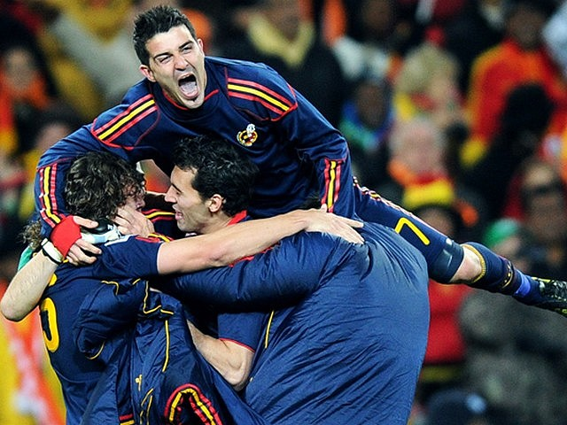 World Cup 2010 Champion David Villa celebrates with Team-mates the Victory - The Spain's striker David Villa celebrates with his Team-mates the Victory at the end of the FIFA World Cup 2010 Champion final match between Spain and the Netherlands at the Soccer City stadium in Johannesburg, South Africa (July 11, 2020). - , World, Cup, 2010, Champion, David, Villa, team-mates, team-mathe, victory, victories, sport, sports, tournament, tournaments, match, matches, soccer, soccers, football, footballs, striker, strikers, FIFA, final, Spain, Netherlands, Soccer, City, stadium, stadiums, Johannesburg, South, Africa - The Spain's striker David Villa celebrates with his Team-mates the Victory at the end of the FIFA World Cup 2010 Champion final match between Spain and the Netherlands at the Soccer City stadium in Johannesburg, South Africa (July 11, 2020). Solve free online World Cup 2010 Champion David Villa celebrates with Team-mates the Victory puzzle games or send World Cup 2010 Champion David Villa celebrates with Team-mates the Victory puzzle game greeting ecards  from puzzles-games.eu.. World Cup 2010 Champion David Villa celebrates with Team-mates the Victory puzzle, puzzles, puzzles games, puzzles-games.eu, puzzle games, online puzzle games, free puzzle games, free online puzzle games, World Cup 2010 Champion David Villa celebrates with Team-mates the Victory free puzzle game, World Cup 2010 Champion David Villa celebrates with Team-mates the Victory online puzzle game, jigsaw puzzles, World Cup 2010 Champion David Villa celebrates with Team-mates the Victory jigsaw puzzle, jigsaw puzzle games, jigsaw puzzles games, World Cup 2010 Champion David Villa celebrates with Team-mates the Victory puzzle game ecard, puzzles games ecards, World Cup 2010 Champion David Villa celebrates with Team-mates the Victory puzzle game greeting ecard