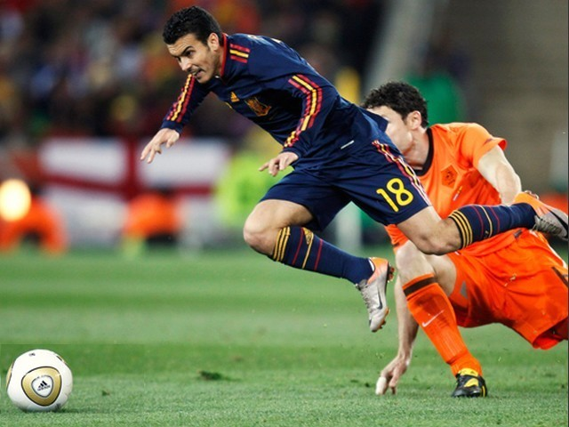 World Cup 2010 Champion Pedro Rodriguez and Mark van Bommel compete for the Ball - Pedro Rodriguez of Spain and Mark van Bommel of the Netherlands compete for the ball during the FIFA World Cup 2010 Champion Final at the Soccer City stadium in Johannesburg, South Africa (July 11, 2010). - , World, Cup, 2010, Champion, Pedro, Rodriguez, Mark, van, Bommel, ball, balls, sport, sports, tournament, tournaments, match, matches, soccer, soccers, football, footballs, Spain, Netherlands, FIFA, Final, finals, Soccer, City, stadium, stadiums, Johannesburg, South, Africa - Pedro Rodriguez of Spain and Mark van Bommel of the Netherlands compete for the ball during the FIFA World Cup 2010 Champion Final at the Soccer City stadium in Johannesburg, South Africa (July 11, 2010). Solve free online World Cup 2010 Champion Pedro Rodriguez and Mark van Bommel compete for the Ball puzzle games or send World Cup 2010 Champion Pedro Rodriguez and Mark van Bommel compete for the Ball puzzle game greeting ecards  from puzzles-games.eu.. World Cup 2010 Champion Pedro Rodriguez and Mark van Bommel compete for the Ball puzzle, puzzles, puzzles games, puzzles-games.eu, puzzle games, online puzzle games, free puzzle games, free online puzzle games, World Cup 2010 Champion Pedro Rodriguez and Mark van Bommel compete for the Ball free puzzle game, World Cup 2010 Champion Pedro Rodriguez and Mark van Bommel compete for the Ball online puzzle game, jigsaw puzzles, World Cup 2010 Champion Pedro Rodriguez and Mark van Bommel compete for the Ball jigsaw puzzle, jigsaw puzzle games, jigsaw puzzles games, World Cup 2010 Champion Pedro Rodriguez and Mark van Bommel compete for the Ball puzzle game ecard, puzzles games ecards, World Cup 2010 Champion Pedro Rodriguez and Mark van Bommel compete for the Ball puzzle game greeting ecard
