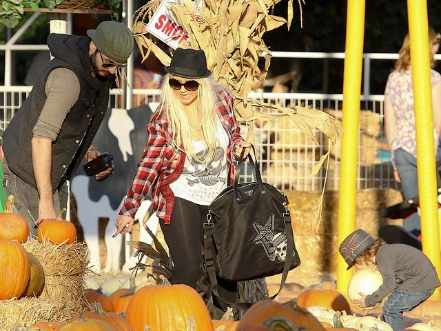 Christina Aguilera looking for Halloween Pumpkin West Hollywood Los Angeles - Christina Aguilera, the famous American pop star, together with her boyfriend Matt Rutler and her 3-year-old son Max Bratman, looking for Halloween pumpkin in West Hollywood, Los Angeles (October 14, 2011). - , Christina, Aguilera, Halloween, pumpkin, pumpkins, West, Hollywood, Los, Angeles, celebrities, celebriry, holiday, holidays, music, musics, place, places, travel, travels, trip, trips, tour, tours, famous, American, pop, star, stars, boyfriend, boyfriends, Matt, Rutler, son, sons, Max, Bratman, October, 2011 - Christina Aguilera, the famous American pop star, together with her boyfriend Matt Rutler and her 3-year-old son Max Bratman, looking for Halloween pumpkin in West Hollywood, Los Angeles (October 14, 2011). Solve free online Christina Aguilera looking for Halloween Pumpkin West Hollywood Los Angeles puzzle games or send Christina Aguilera looking for Halloween Pumpkin West Hollywood Los Angeles puzzle game greeting ecards  from puzzles-games.eu.. Christina Aguilera looking for Halloween Pumpkin West Hollywood Los Angeles puzzle, puzzles, puzzles games, puzzles-games.eu, puzzle games, online puzzle games, free puzzle games, free online puzzle games, Christina Aguilera looking for Halloween Pumpkin West Hollywood Los Angeles free puzzle game, Christina Aguilera looking for Halloween Pumpkin West Hollywood Los Angeles online puzzle game, jigsaw puzzles, Christina Aguilera looking for Halloween Pumpkin West Hollywood Los Angeles jigsaw puzzle, jigsaw puzzle games, jigsaw puzzles games, Christina Aguilera looking for Halloween Pumpkin West Hollywood Los Angeles puzzle game ecard, puzzles games ecards, Christina Aguilera looking for Halloween Pumpkin West Hollywood Los Angeles puzzle game greeting ecard