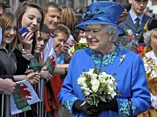 Diamond Jubilee Queen Elizabeth II among Well-wishers - Britain's Queen Elizabeth II among well-wishers during one of her walk at the days of celebrations for the Diamond Jubilee, 60 years on the throne, as Monarch of Great Britain, Ireland and the British Dominions beyond the seas. Her Majesty became Head of the Commonwealth and Queen in 1952 and was crowned in Westminster Abbey on June 2nd 1953. - , diamond, diamonds, jubilee, jubilees, queen, queens, Elizabeth, II, well-wishers, wisher, celebrities, celebrity, holidays, holiday, feast, feasts, commemoration, commemorations, celebration, celebrations, Britain, walk, walks, day, days, 60, monarch, monarchs, Ireland, British, dominions, dominion, seas, sea, Majesty, head, heads, commonwealth, 1952, Westminster, abbey, abbeys, June, 1953 - Britain's Queen Elizabeth II among well-wishers during one of her walk at the days of celebrations for the Diamond Jubilee, 60 years on the throne, as Monarch of Great Britain, Ireland and the British Dominions beyond the seas. Her Majesty became Head of the Commonwealth and Queen in 1952 and was crowned in Westminster Abbey on June 2nd 1953. Solve free online Diamond Jubilee Queen Elizabeth II among Well-wishers puzzle games or send Diamond Jubilee Queen Elizabeth II among Well-wishers puzzle game greeting ecards  from puzzles-games.eu.. Diamond Jubilee Queen Elizabeth II among Well-wishers puzzle, puzzles, puzzles games, puzzles-games.eu, puzzle games, online puzzle games, free puzzle games, free online puzzle games, Diamond Jubilee Queen Elizabeth II among Well-wishers free puzzle game, Diamond Jubilee Queen Elizabeth II among Well-wishers online puzzle game, jigsaw puzzles, Diamond Jubilee Queen Elizabeth II among Well-wishers jigsaw puzzle, jigsaw puzzle games, jigsaw puzzles games, Diamond Jubilee Queen Elizabeth II among Well-wishers puzzle game ecard, puzzles games ecards, Diamond Jubilee Queen Elizabeth II among Well-wishers puzzle game greeting ecard