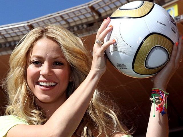 World Cup 2010 Champion Shakira will support Spain - The Colombian singer Shakira, close to her Spanish heritage will support Spain during the FIFA World Cup 2010 Champion final match at the Soccer City stadium in Johannesburg, South Africa (July 11, 2010). - , World, Cup, 2010, Champion, Shakira, Spain, celebrities, celebrity, sport, sports, tournament, tournaments, performance, Spanish, heritage, heritages, FIFA, final, match, matches, Soccer, City, stadium, stadiums, Johannesburg, South, Africa - The Colombian singer Shakira, close to her Spanish heritage will support Spain during the FIFA World Cup 2010 Champion final match at the Soccer City stadium in Johannesburg, South Africa (July 11, 2010). Lösen Sie kostenlose World Cup 2010 Champion Shakira will support Spain Online Puzzle Spiele oder senden Sie World Cup 2010 Champion Shakira will support Spain Puzzle Spiel Gruß ecards  from puzzles-games.eu.. World Cup 2010 Champion Shakira will support Spain puzzle, Rätsel, puzzles, Puzzle Spiele, puzzles-games.eu, puzzle games, Online Puzzle Spiele, kostenlose Puzzle Spiele, kostenlose Online Puzzle Spiele, World Cup 2010 Champion Shakira will support Spain kostenlose Puzzle Spiel, World Cup 2010 Champion Shakira will support Spain Online Puzzle Spiel, jigsaw puzzles, World Cup 2010 Champion Shakira will support Spain jigsaw puzzle, jigsaw puzzle games, jigsaw puzzles games, World Cup 2010 Champion Shakira will support Spain Puzzle Spiel ecard, Puzzles Spiele ecards, World Cup 2010 Champion Shakira will support Spain Puzzle Spiel Gruß ecards