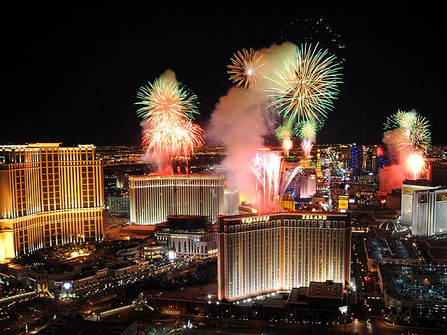 Fireworks above Las Vegas - Explosion of fireworks in the sky above Las Vegas at midnight on New Year, as seen from Trump International Hotel (2011). - , fireworks, firework, Las, Vegas, show, shows, holidays, holiday, festival, festivals, celebrations, celebration, explosion, explosions, sky, midnight, New, Year, Trump, International, Hotel, hotels - Explosion of fireworks in the sky above Las Vegas at midnight on New Year, as seen from Trump International Hotel (2011). Solve free online Fireworks above Las Vegas puzzle games or send Fireworks above Las Vegas puzzle game greeting ecards  from puzzles-games.eu.. Fireworks above Las Vegas puzzle, puzzles, puzzles games, puzzles-games.eu, puzzle games, online puzzle games, free puzzle games, free online puzzle games, Fireworks above Las Vegas free puzzle game, Fireworks above Las Vegas online puzzle game, jigsaw puzzles, Fireworks above Las Vegas jigsaw puzzle, jigsaw puzzle games, jigsaw puzzles games, Fireworks above Las Vegas puzzle game ecard, puzzles games ecards, Fireworks above Las Vegas puzzle game greeting ecard