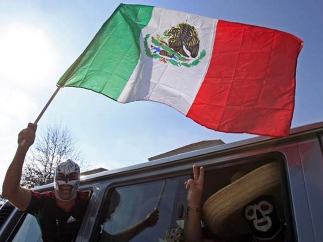 World Cup 2010 Mexican Supporter - A Mexican supporter waves the National flag of Mexico at the traffic congestion before the Opening ceremony's start of the FIFA World Cup 2010 in Johannesburg, South Africa (June 11, 2010). - , World, Cup, 2010, Mexican, supporter, supporters, show, shows, performance, performances, sport, sports, tournament, tournaments, qualification, qualifications, ceremony, ceremonies, match, matches, National, flag, flags, Mexico, Opening, FIFA, Johannesburg, South, Africa - A Mexican supporter waves the National flag of Mexico at the traffic congestion before the Opening ceremony's start of the FIFA World Cup 2010 in Johannesburg, South Africa (June 11, 2010). Решайте бесплатные онлайн World Cup 2010 Mexican Supporter пазлы игры или отправьте World Cup 2010 Mexican Supporter пазл игру приветственную открытку  из puzzles-games.eu.. World Cup 2010 Mexican Supporter пазл, пазлы, пазлы игры, puzzles-games.eu, пазл игры, онлайн пазл игры, игры пазлы бесплатно, бесплатно онлайн пазл игры, World Cup 2010 Mexican Supporter бесплатно пазл игра, World Cup 2010 Mexican Supporter онлайн пазл игра , jigsaw puzzles, World Cup 2010 Mexican Supporter jigsaw puzzle, jigsaw puzzle games, jigsaw puzzles games, World Cup 2010 Mexican Supporter пазл игра открытка, пазлы игры открытки, World Cup 2010 Mexican Supporter пазл игра приветственная открытка