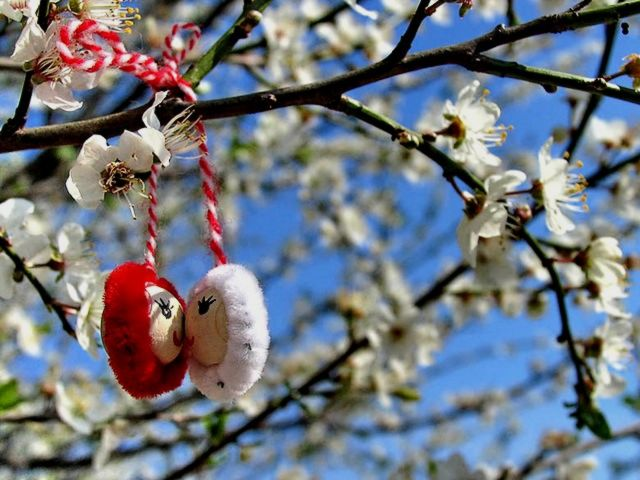 Baba Marta Martenitsa kissing Dolls - Beautiful martenica with two dolls wich are kissing, hung on a branch with blossoms for the feast of Baba Marta, which according to Bulgarian folklore, marks the beginning of springtime. - , Baba, Marta, martenitsa, martenitsi, dolls, doll, holidays, holiday, festival, festivals, celebrations, celebration, beautiful, Baba, Marta, branch, branches, blossoms, blossom, feast, feasts, Bulgarian, folklore, beginning, beginnings - Beautiful martenica with two dolls wich are kissing, hung on a branch with blossoms for the feast of Baba Marta, which according to Bulgarian folklore, marks the beginning of springtime. Solve free online Baba Marta Martenitsa kissing Dolls puzzle games or send Baba Marta Martenitsa kissing Dolls puzzle game greeting ecards  from puzzles-games.eu.. Baba Marta Martenitsa kissing Dolls puzzle, puzzles, puzzles games, puzzles-games.eu, puzzle games, online puzzle games, free puzzle games, free online puzzle games, Baba Marta Martenitsa kissing Dolls free puzzle game, Baba Marta Martenitsa kissing Dolls online puzzle game, jigsaw puzzles, Baba Marta Martenitsa kissing Dolls jigsaw puzzle, jigsaw puzzle games, jigsaw puzzles games, Baba Marta Martenitsa kissing Dolls puzzle game ecard, puzzles games ecards, Baba Marta Martenitsa kissing Dolls puzzle game greeting ecard