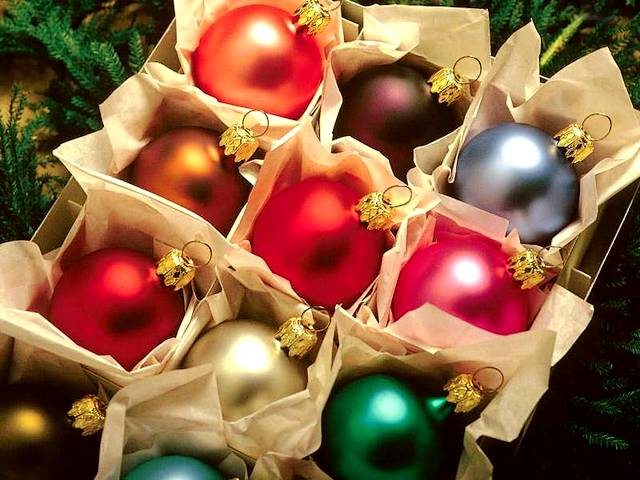 Christmas Balls - A box with wonderful ornaments of colorful balls for Christmas decoration. - , Christmas, balls, ball, holiday, holidays, feast, feasts, festivity, festivities, celebration, celebrations, seasons, season, wonderful, ornaments, ornament, colorful, decoration, decorations - A box with wonderful ornaments of colorful balls for Christmas decoration. Solve free online Christmas Balls puzzle games or send Christmas Balls puzzle game greeting ecards  from puzzles-games.eu.. Christmas Balls puzzle, puzzles, puzzles games, puzzles-games.eu, puzzle games, online puzzle games, free puzzle games, free online puzzle games, Christmas Balls free puzzle game, Christmas Balls online puzzle game, jigsaw puzzles, Christmas Balls jigsaw puzzle, jigsaw puzzle games, jigsaw puzzles games, Christmas Balls puzzle game ecard, puzzles games ecards, Christmas Balls puzzle game greeting ecard