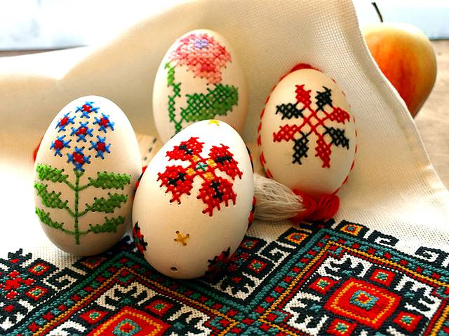 Easter Eggs Embroidered by Inna Forostyuk Luhansk Ukraine - Beautiful decoration for Easter with embroidered eggs, an artwork by Inna Forostyuk, a folk master from Luhansk, a region in Ukraine. - , Easter, eggs, egg, embroidered, Inna, Forostyuk, Luhansk, Ukraine, holiday, holidays, art, arts, places, place, travel, travels, tour, tours, trip, trips, feast, feasts, celebration, celebrations, nature, natures, season, seasons, beautiful, decoration, decorations, artwork, artworks, folk, master, masters, region, regions - Beautiful decoration for Easter with embroidered eggs, an artwork by Inna Forostyuk, a folk master from Luhansk, a region in Ukraine. Solve free online Easter Eggs Embroidered by Inna Forostyuk Luhansk Ukraine puzzle games or send Easter Eggs Embroidered by Inna Forostyuk Luhansk Ukraine puzzle game greeting ecards  from puzzles-games.eu.. Easter Eggs Embroidered by Inna Forostyuk Luhansk Ukraine puzzle, puzzles, puzzles games, puzzles-games.eu, puzzle games, online puzzle games, free puzzle games, free online puzzle games, Easter Eggs Embroidered by Inna Forostyuk Luhansk Ukraine free puzzle game, Easter Eggs Embroidered by Inna Forostyuk Luhansk Ukraine online puzzle game, jigsaw puzzles, Easter Eggs Embroidered by Inna Forostyuk Luhansk Ukraine jigsaw puzzle, jigsaw puzzle games, jigsaw puzzles games, Easter Eggs Embroidered by Inna Forostyuk Luhansk Ukraine puzzle game ecard, puzzles games ecards, Easter Eggs Embroidered by Inna Forostyuk Luhansk Ukraine puzzle game greeting ecard