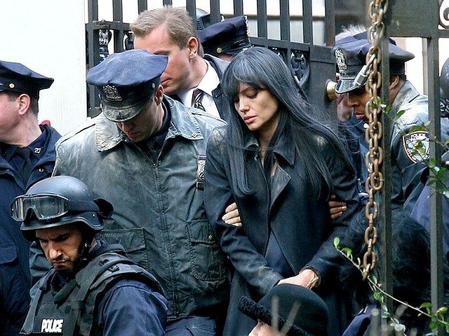 Salt Angelina Jolie CIA Officer with Police Guard - Angelina Jolie in a still of the action-thriller 'Salt' as CIA officer Eveline A.Salt with a police guard outside the St.Bartholomew church. - , Salt, Angelina, Jolie, CIA, Officer, police, guard, guards, movie, movies, film, films, picture, pictures, action-thriller, action-thrillers, thriller, thrillers, adventure, adventures, actress, actresses, still, stills, Eveline, A.Salt, St.Bartholomew, church, churches - Angelina Jolie in a still of the action-thriller 'Salt' as CIA officer Eveline A.Salt with a police guard outside the St.Bartholomew church. Подреждайте безплатни онлайн Salt Angelina Jolie CIA Officer with Police Guard пъзел игри или изпратете Salt Angelina Jolie CIA Officer with Police Guard пъзел игра поздравителна картичка  от puzzles-games.eu.. Salt Angelina Jolie CIA Officer with Police Guard пъзел, пъзели, пъзели игри, puzzles-games.eu, пъзел игри, online пъзел игри, free пъзел игри, free online пъзел игри, Salt Angelina Jolie CIA Officer with Police Guard free пъзел игра, Salt Angelina Jolie CIA Officer with Police Guard online пъзел игра, jigsaw puzzles, Salt Angelina Jolie CIA Officer with Police Guard jigsaw puzzle, jigsaw puzzle games, jigsaw puzzles games, Salt Angelina Jolie CIA Officer with Police Guard пъзел игра картичка, пъзели игри картички, Salt Angelina Jolie CIA Officer with Police Guard пъзел игра поздравителна картичка