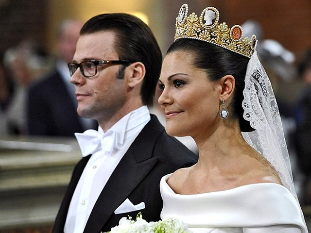 Royal Wedding Sweeden Crown Princess Victoria and Daniel Westling - Crown Princess Victoria and her former personal trainer Daniel Westling, who met eight years ago, married in a magnificent Royal Wedding ceremony at Storkyrkan cathedral in Stockholm, Sweeden on June 19, 2010. - , Royal, Wedding, Sweeden, Crown, Princess, Victoria, Daniel, Westling, show, shows, ceremony, ceremonies, event, events, celebrity, celebrities, entertainment, entertainments, former, personal, trainer, trainers, Storkyrkan, cathedral, cathedrals, Stockholm - Crown Princess Victoria and her former personal trainer Daniel Westling, who met eight years ago, married in a magnificent Royal Wedding ceremony at Storkyrkan cathedral in Stockholm, Sweeden on June 19, 2010. Solve free online Royal Wedding Sweeden Crown Princess Victoria and Daniel Westling puzzle games or send Royal Wedding Sweeden Crown Princess Victoria and Daniel Westling puzzle game greeting ecards  from puzzles-games.eu.. Royal Wedding Sweeden Crown Princess Victoria and Daniel Westling puzzle, puzzles, puzzles games, puzzles-games.eu, puzzle games, online puzzle games, free puzzle games, free online puzzle games, Royal Wedding Sweeden Crown Princess Victoria and Daniel Westling free puzzle game, Royal Wedding Sweeden Crown Princess Victoria and Daniel Westling online puzzle game, jigsaw puzzles, Royal Wedding Sweeden Crown Princess Victoria and Daniel Westling jigsaw puzzle, jigsaw puzzle games, jigsaw puzzles games, Royal Wedding Sweeden Crown Princess Victoria and Daniel Westling puzzle game ecard, puzzles games ecards, Royal Wedding Sweeden Crown Princess Victoria and Daniel Westling puzzle game greeting ecard